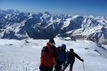 L'Elbrouz, le toit de l'Europe à ski