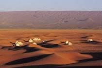 Au Sahara, de camp en casbah