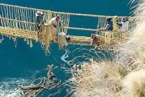 Fêtes religieuses et dernier pont inca
