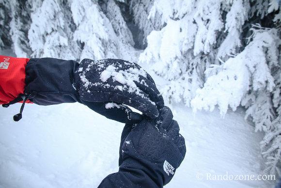 Test des gants The North Face Montana  : des gants pour randonner en hiver