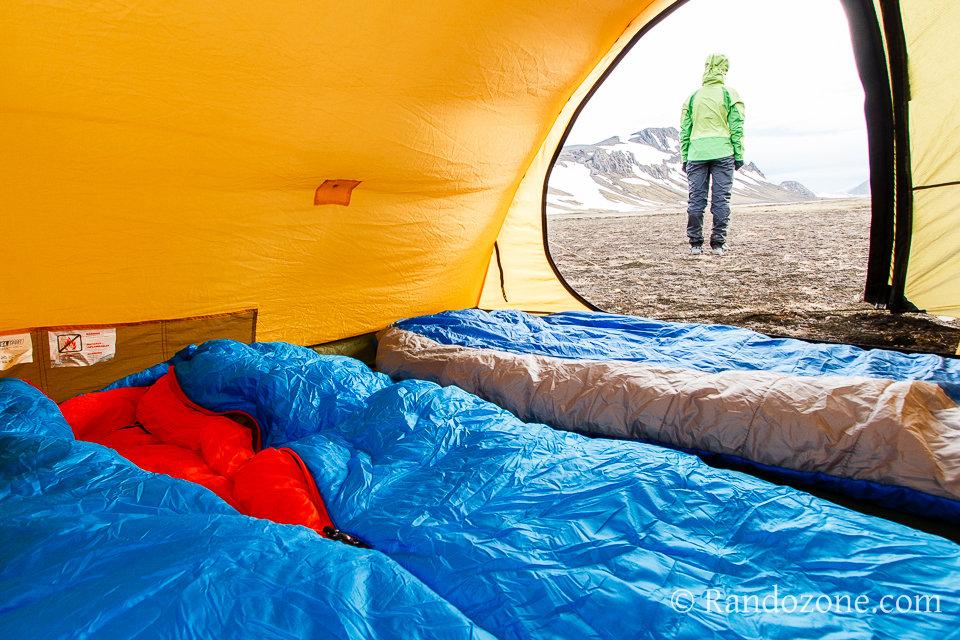 Test du sac de couchage Mountain Hardwear HyperLamina Flame en Islande